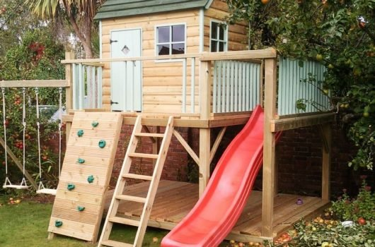 Best Outdoor Playhouses for Kids & Toddlers 2020
