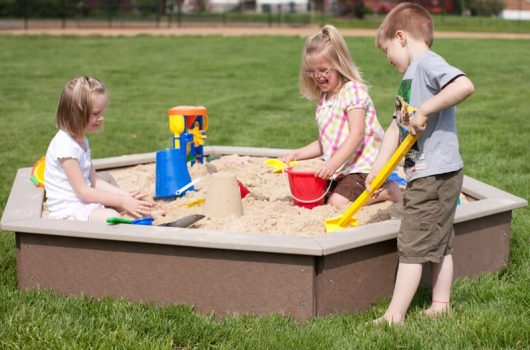 Best Sandboxes for Kids to Buy 2020