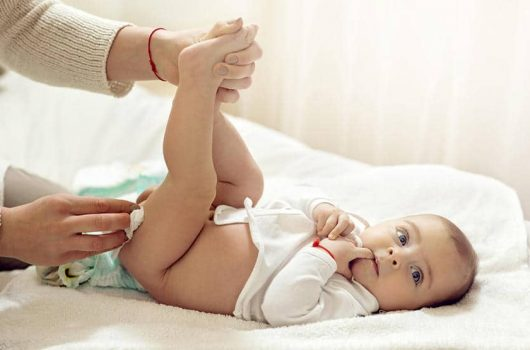 Newborn Baby Poop – a Guide for New Parents