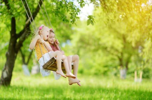 Little Monkey: The 10 Best Outdoor Tree Swings for Kids