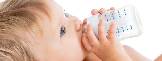 How to Transition From Bottles to Sippy Cups