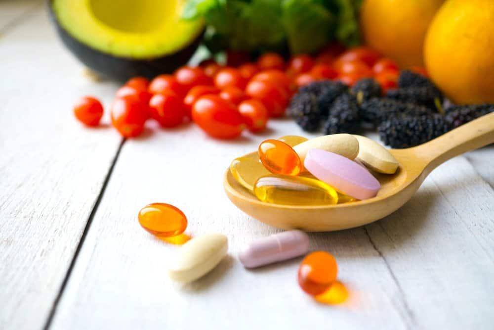 multivitamins and food