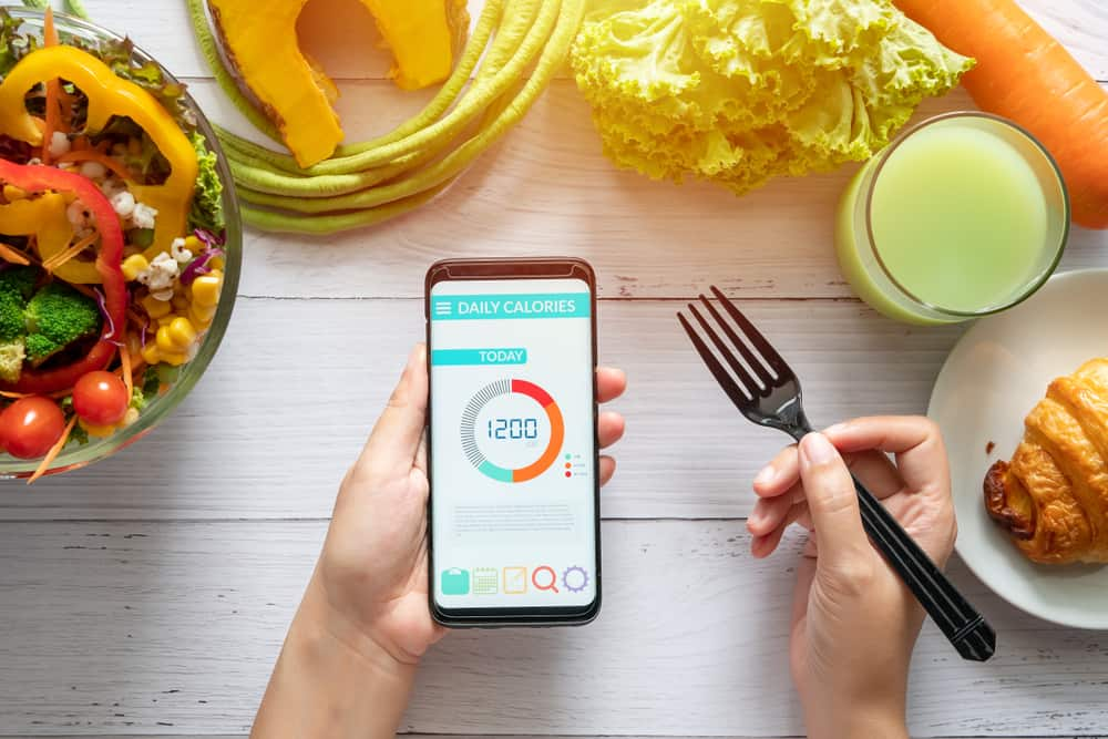 counting calories on phone